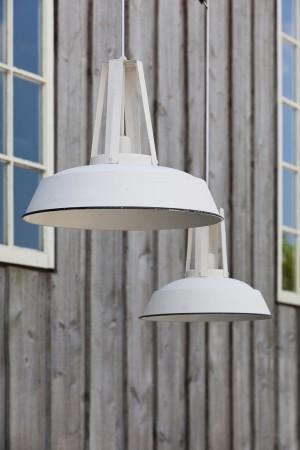 Hängeleuchte weiß im Industriedesign, Pendelleuchte weiß, Durchmesser 42 cm