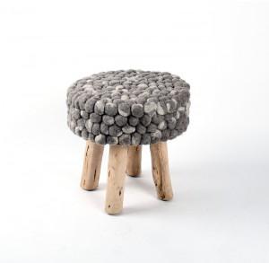 Hocker aus  Massivholz, Farbe Naturell