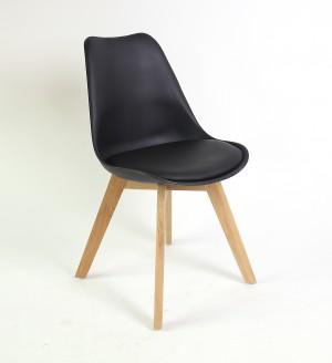 Stuhl gepolstert mit einem Gestell aus Massivholz, Farbe schwarz