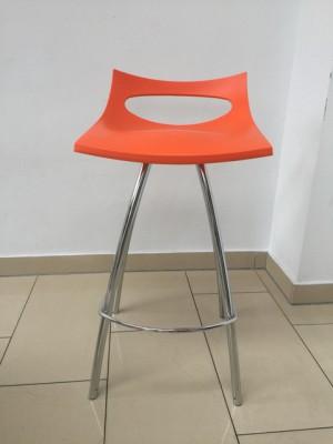 Barhocker orange verchromtes Gestell, Barstuhl orange, Sitzhöhe 65 cm