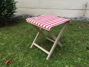 Hocker aufklappbar, Hocker aus Stoff und Holz, Farbe rot-weiß