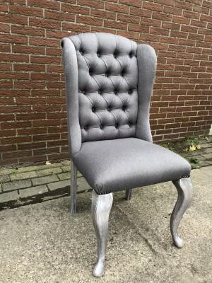 Stuhl grau gepolstert in verschiedenen Farben, Stuhl mit Ring chesterfield