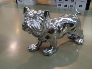 Hund Bulldogge aus Aluminium