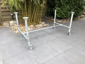 Tischgestell auf Rollen Industriedesign, Gestell Rohrgestell Metall,  Maße 164 x 73 cm