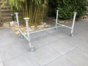Tischgestell auf Rollen Industriedesign, Gestell Rohrgestell Metall,  Maße 204 x 73 cm