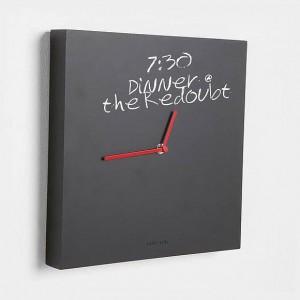 Karlsson Wanduhr Tafel schwarz rot Kreide 32 cm