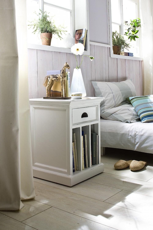 beistelltisch im landhausstil in wei mit eine schublade couchtische beistelltische. Black Bedroom Furniture Sets. Home Design Ideas