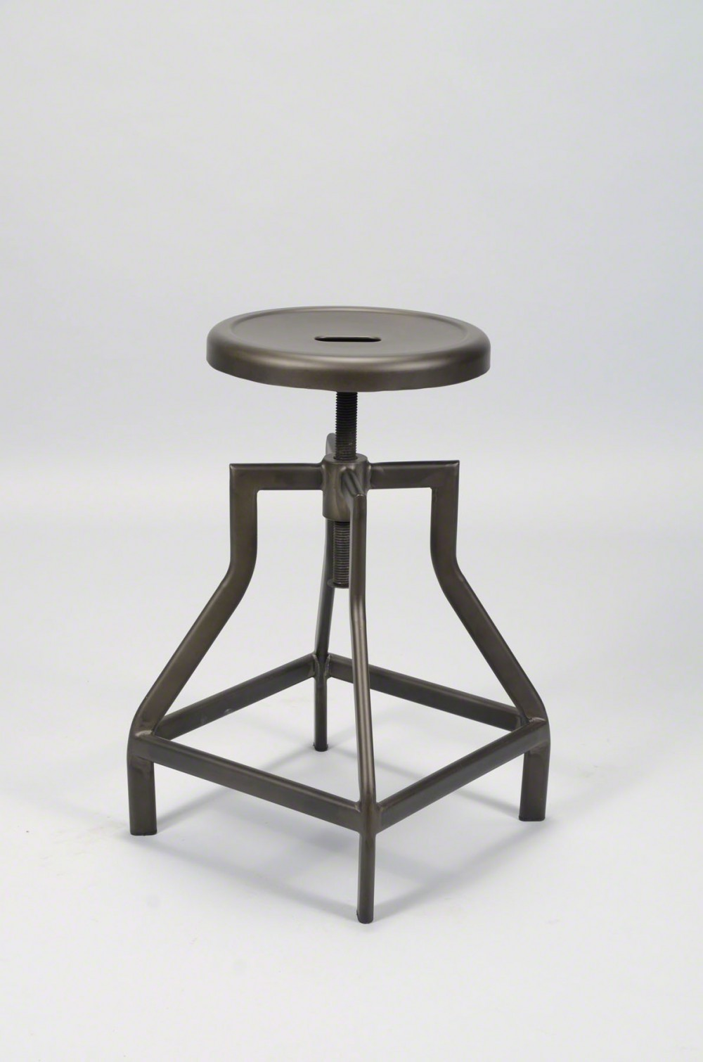 Barhocker metall industrie hocker metall industriedesign for Barhocker industriedesign
