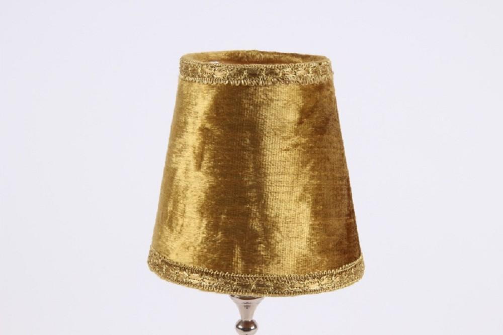 Kronleuchter Modern Gold ~ Schicke moderne kronleuchter goldene u stockfoto ribalka