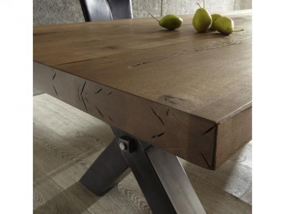 Esstisch aus massiv eiche tisch im industriedesign mit for Esstisch industriedesign