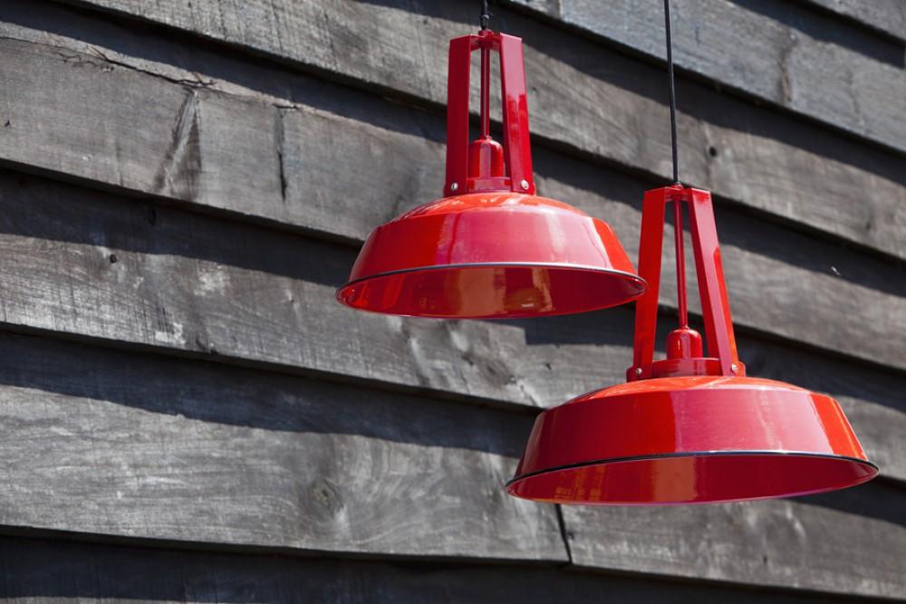 h ngeleuchte rot im industriedesign pendelleuchte rot. Black Bedroom Furniture Sets. Home Design Ideas