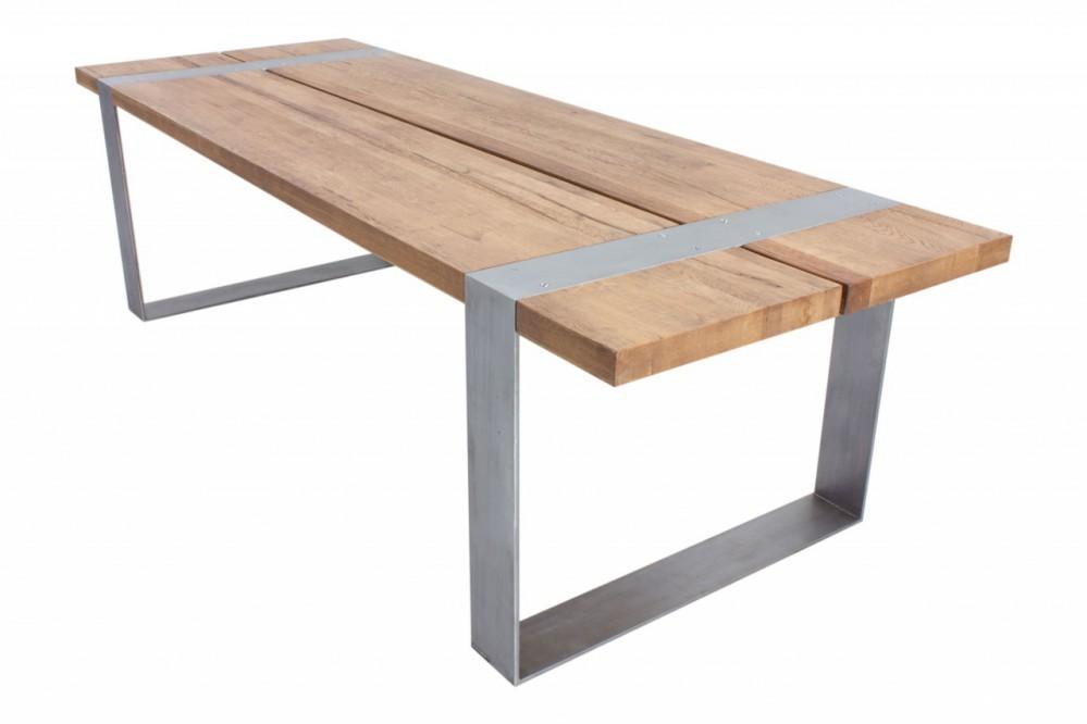 Esstisch massiv eiche tisch im industriedesign mit einem for Tisch industriedesign