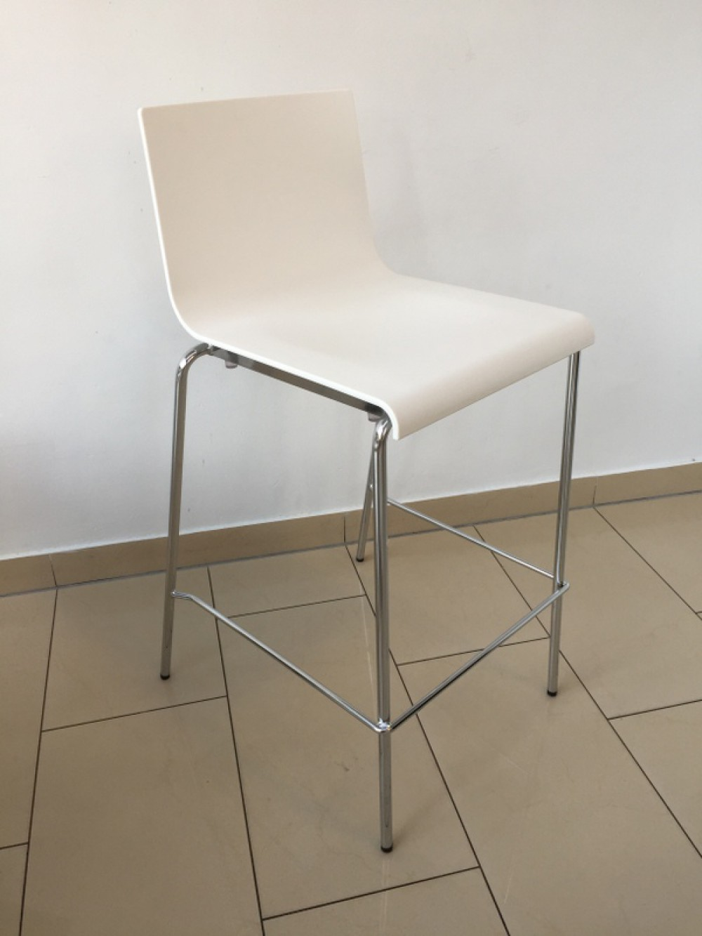 Design barhocker wei barstuhl wei chrome sitzh he 67 cm for Barhocker 92 cm