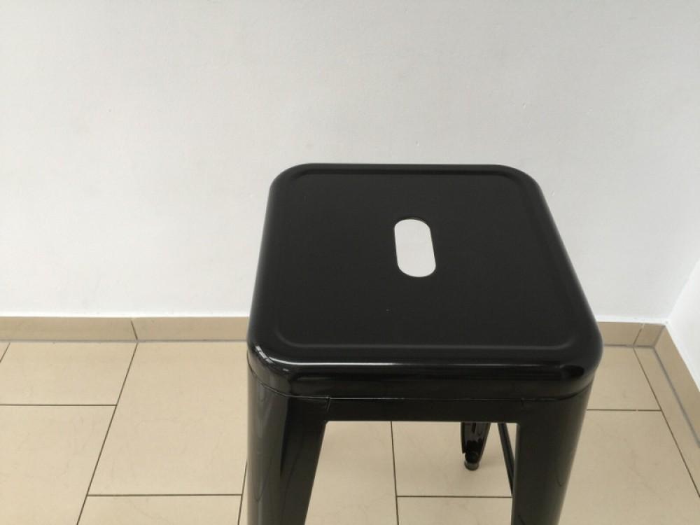barstuhl metall schwarz im industriedesign barhocker. Black Bedroom Furniture Sets. Home Design Ideas