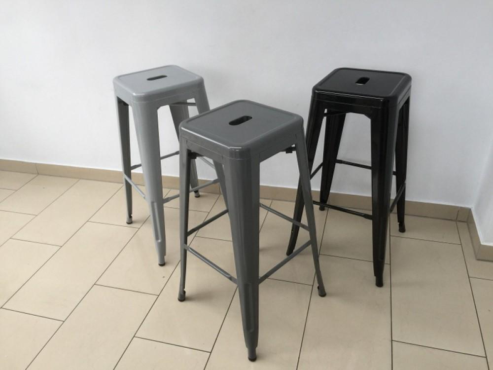 Barstuhl metall grau im industriedesign barhocker grau for Barstuhl metall
