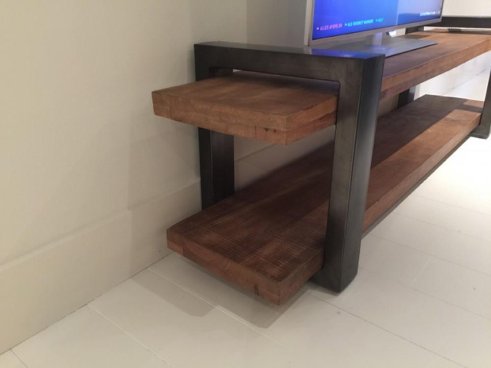 tv regal grau naturholz lowboard industrie fernsehschrank industriedesign grau breite 150 cm. Black Bedroom Furniture Sets. Home Design Ideas