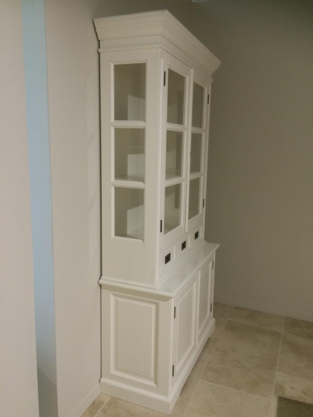 schrank wei vitrine wei landhaus geschirrschrank wei im landhausstil breite 119 cm. Black Bedroom Furniture Sets. Home Design Ideas