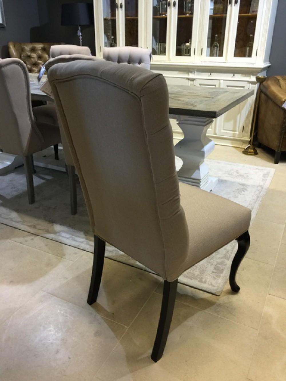 Stuhl gepolstert mit ring stuhl chesterfield for Stuhl gepolstert
