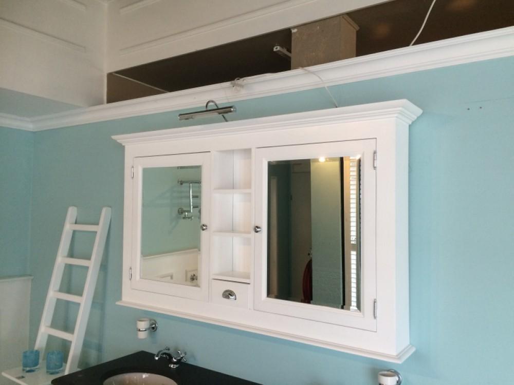 Spiegelschrank weiß im Landhausstil, Schpiegel weiß, Breite 162 cm