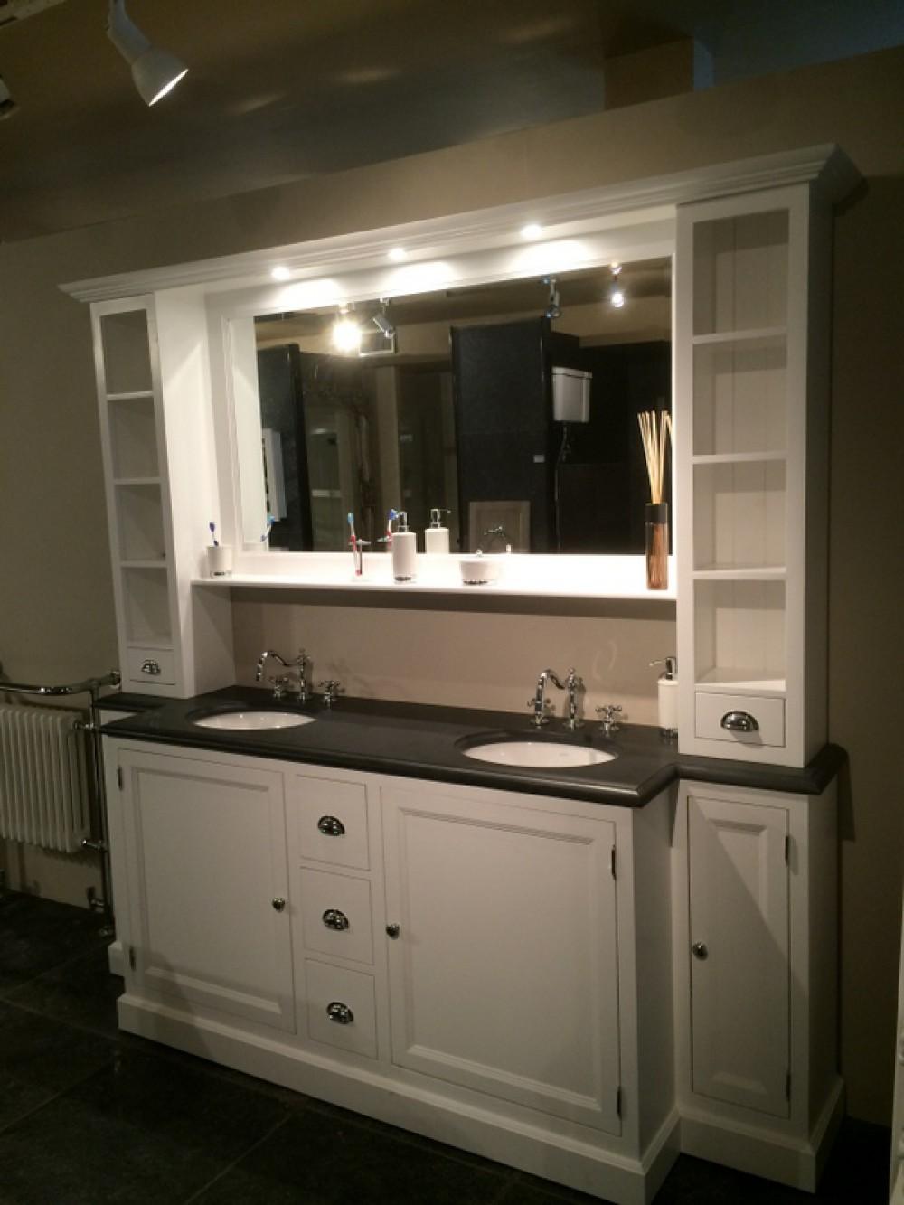 Waschtisch im landhausstil badezimmerschrank mit - Badezimmerschrank landhausstil ...