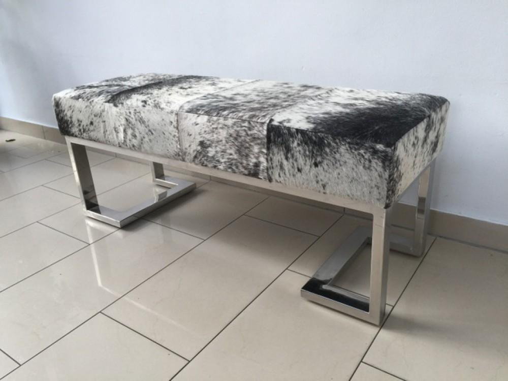 bank schwarz wei kuhfell sitzbank verchromtes gestell l nge 110 cm. Black Bedroom Furniture Sets. Home Design Ideas