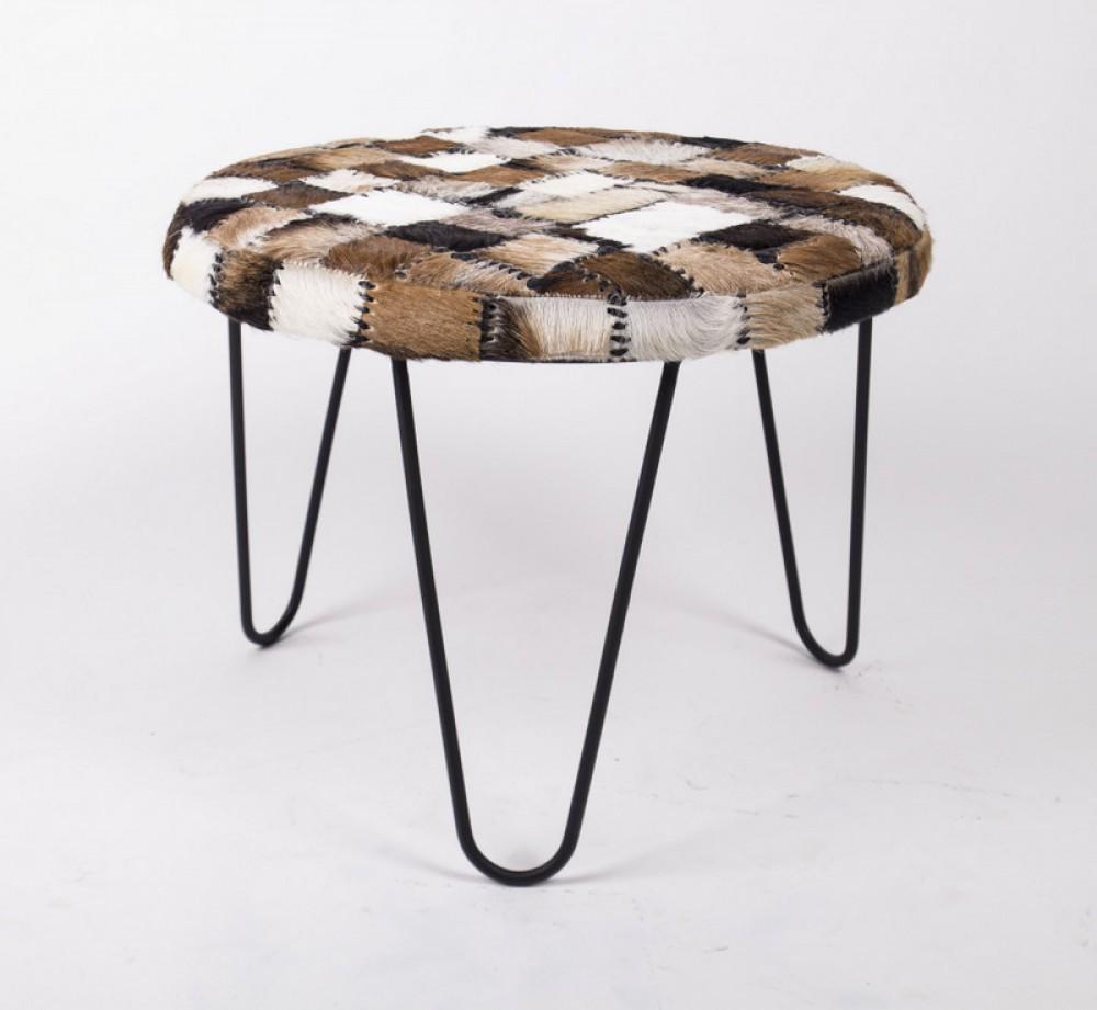 hocker oder auch beistelltisch mit fell bezogen 60 cm. Black Bedroom Furniture Sets. Home Design Ideas
