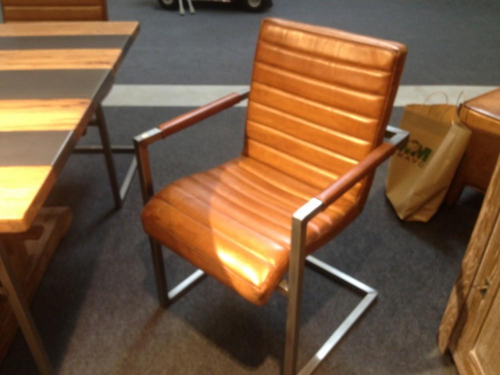 stuhl freischwinger mit echtleder bezogen farbe cognac. Black Bedroom Furniture Sets. Home Design Ideas