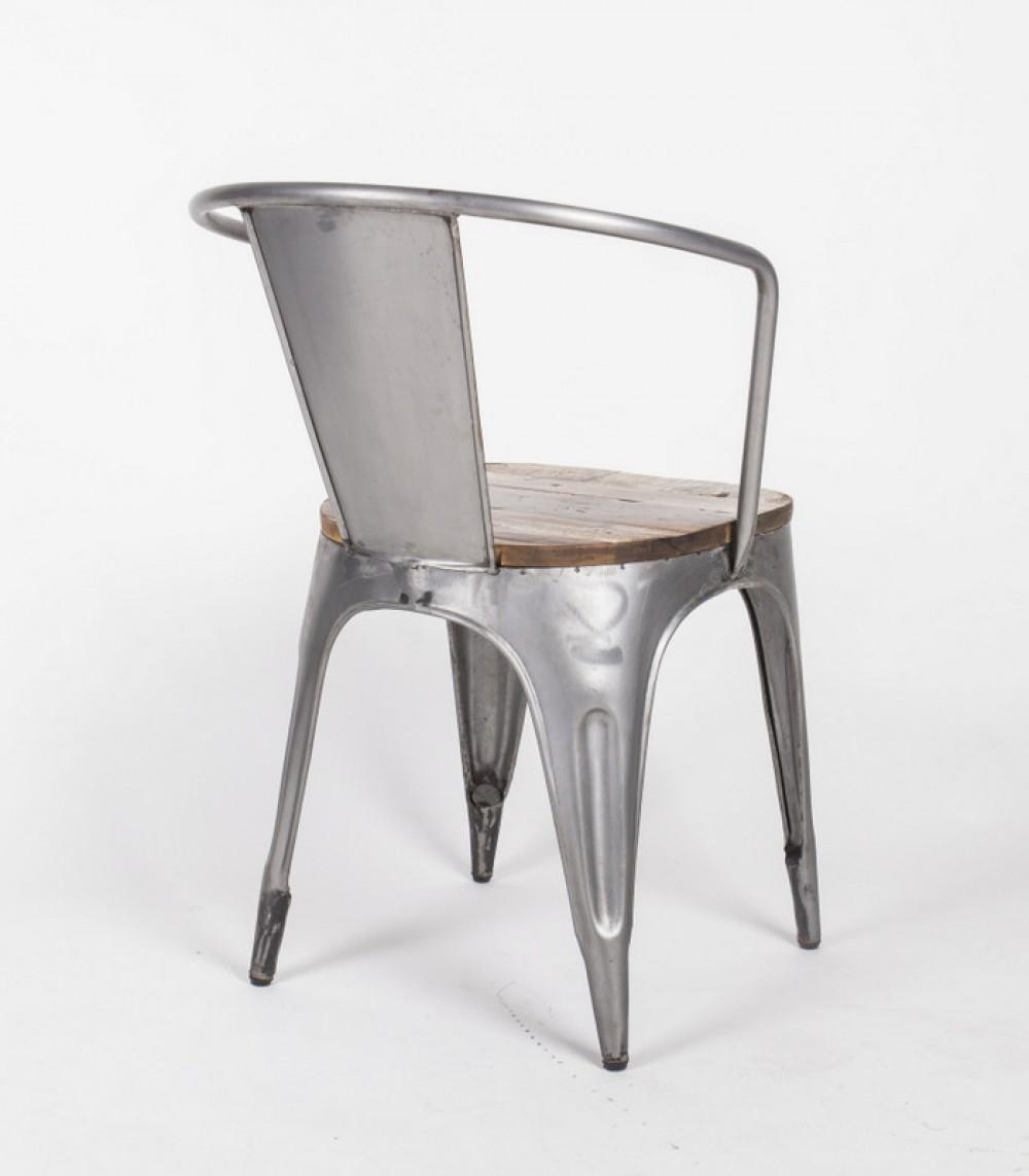 Stuhl aus metall und holz im industriedesign st hle for Stuhl industriedesign