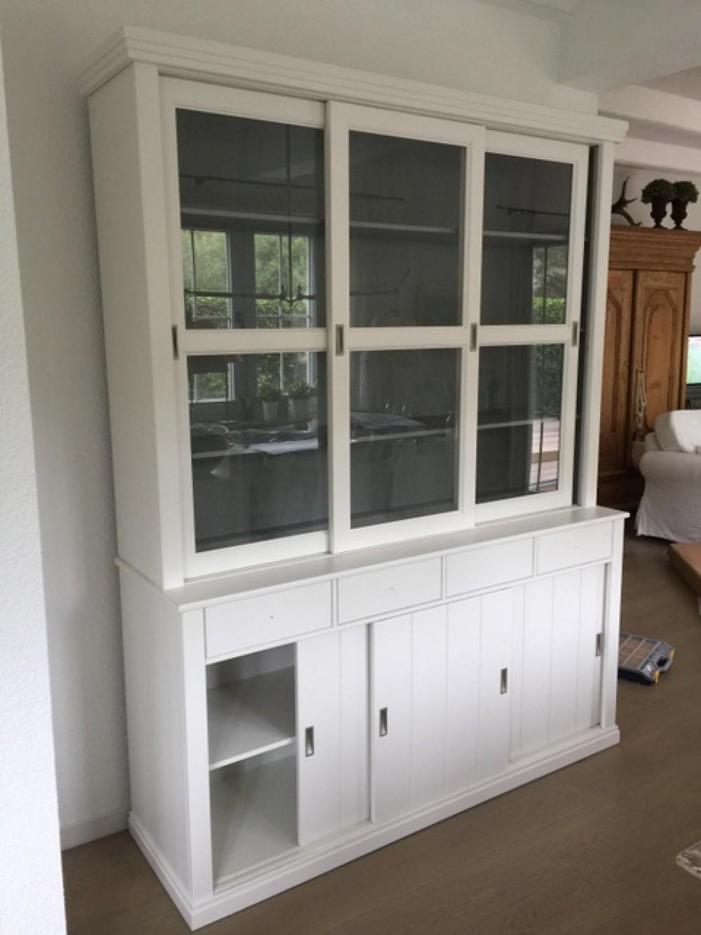 Vitrinenschrank geschirrschrank vitrine im landhausstil for Schrank landhausstil