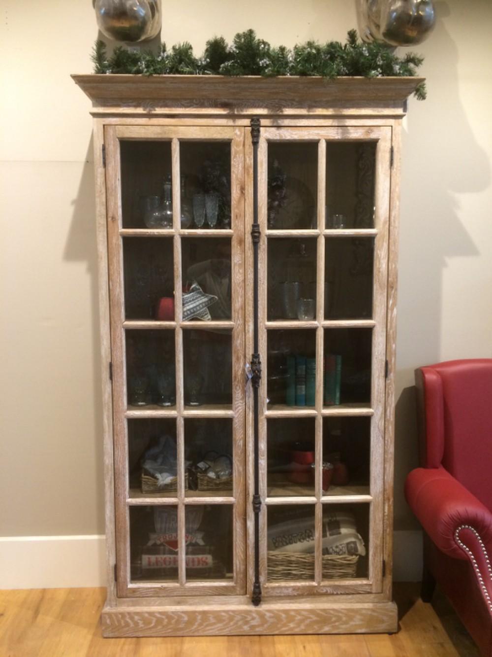 vitrine vintage style vitrinenschrank im landhausstil. Black Bedroom Furniture Sets. Home Design Ideas