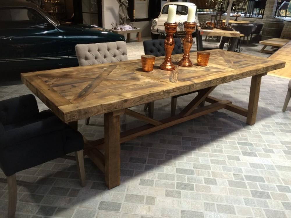 Esstisch massivholz tisch pinienholz im landhausstil for Tisch landhausstil