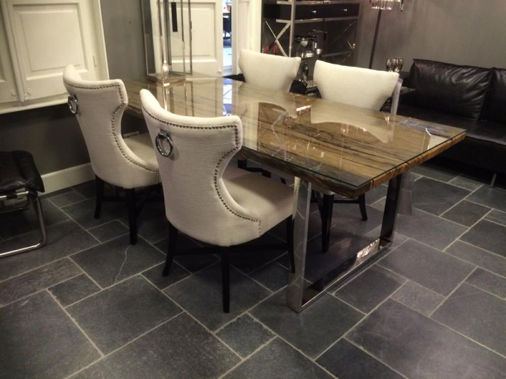 stuhl leinen wei stuhl mit einem metallring am der r ckenlehne. Black Bedroom Furniture Sets. Home Design Ideas