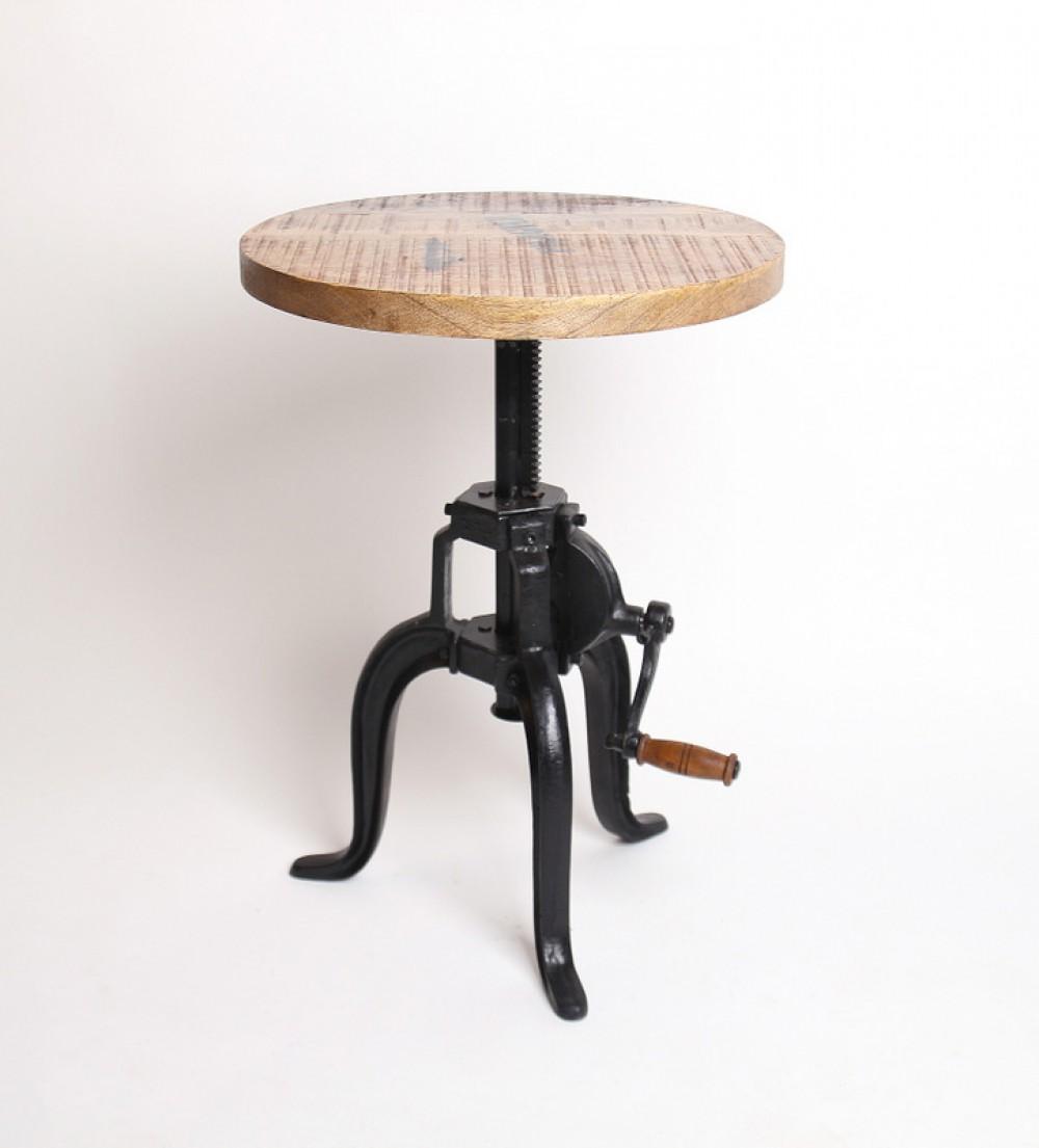 Beistelltisch aus massivholz im industriedesign for Beistelltisch 30 cm durchmesser