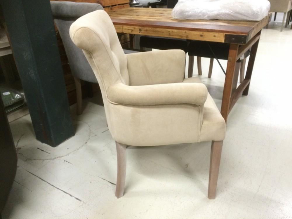 gepolsterter stuhl mit armlehne stuhl beige. Black Bedroom Furniture Sets. Home Design Ideas