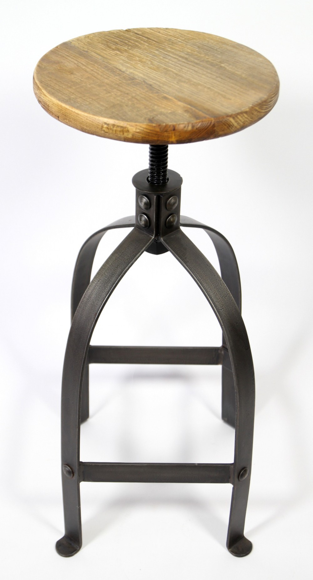 Barhocker im industrielook aus metall und massivholz for Barhocker 75 cm