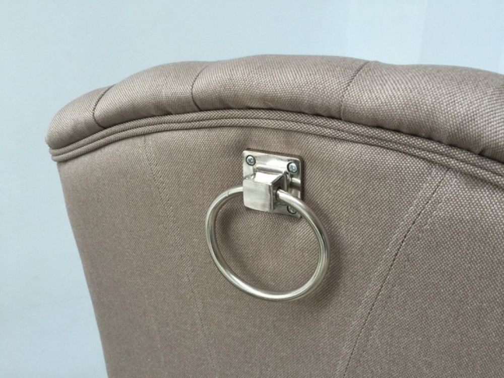 stuhl gepolstert in verschiedenen farben stuhl mit ring chesterfield. Black Bedroom Furniture Sets. Home Design Ideas
