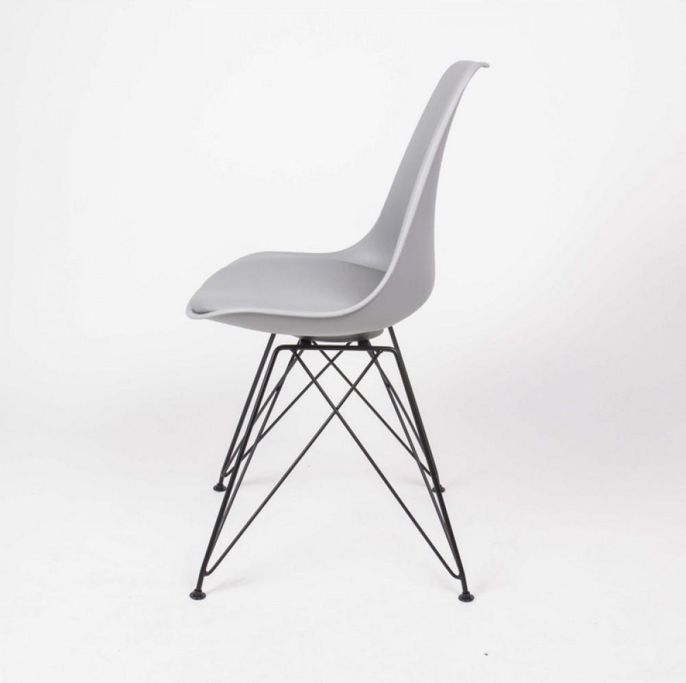 Design stuhl grau stuhl gepolstert grau mit metallgestell for Design stuhl schwarz