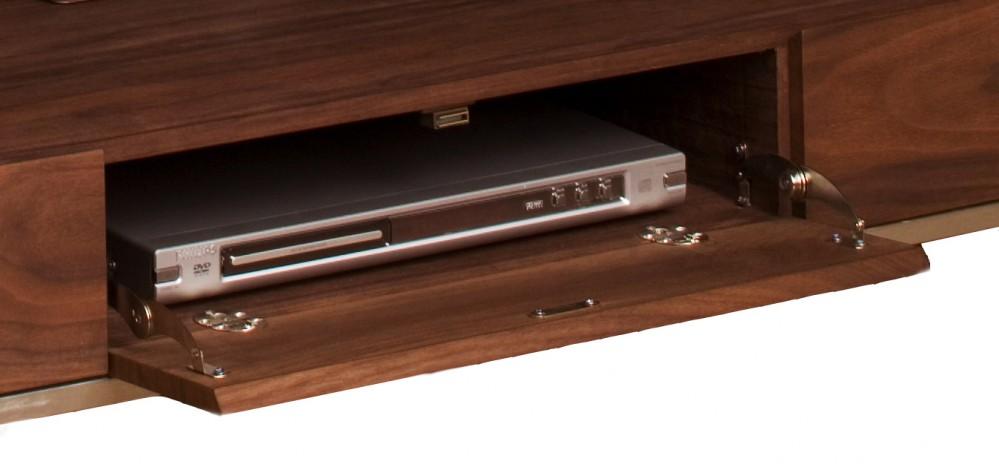 design tv schrank lowboard walnuss furniert mit drei t ren breite 180 cm. Black Bedroom Furniture Sets. Home Design Ideas