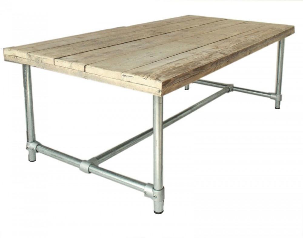 Esstisch im industriedesign tisch mit tischbeinen aus for Tisch industriedesign