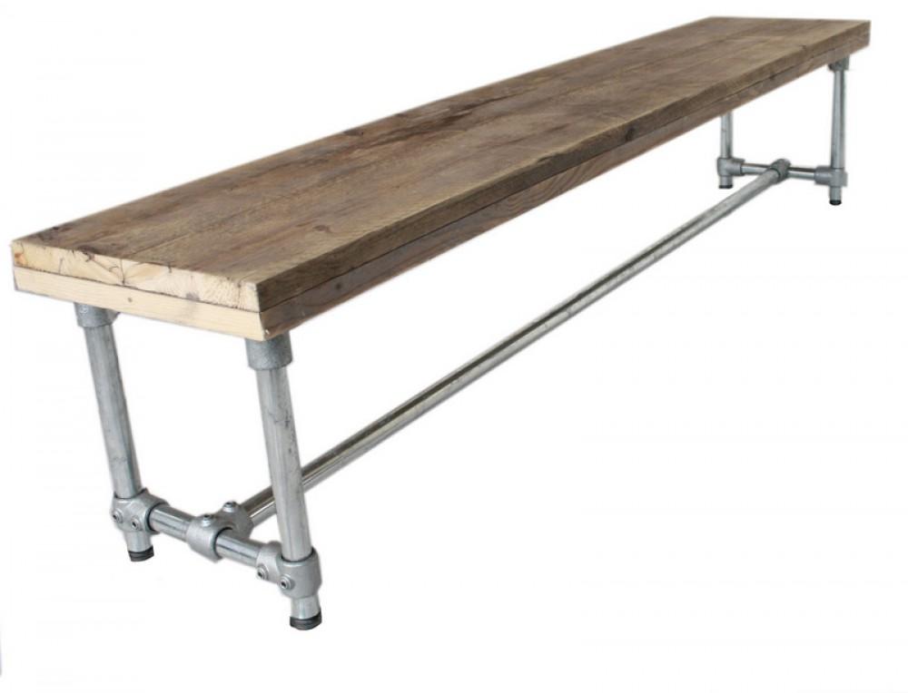 Esstisch im industriedesign tisch mit tischbeinen aus for Esstisch tisch industriedesign