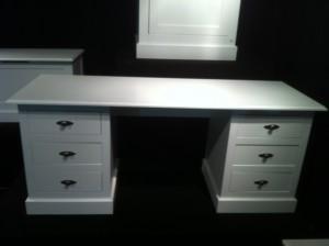 Schreibtisch Hampton im Landhausstil mit sechs Schubladen im Weiß, Breite 180 cm