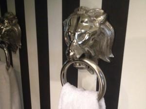 Handtuchhalter Löwenkopf aus Aluminium
