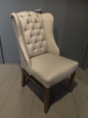 Stuhl gepolstert, Polsterstuhl Chesterfield,  Farbe sand