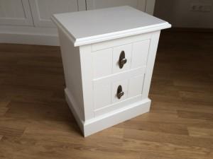 Beistellschrank Hampton mit zwei Schubladen, Nachttisch Kommode im Landhausstil in weiß
