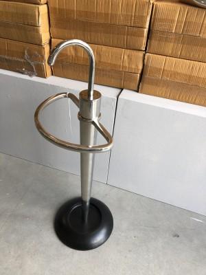 Schirmständer Metall silber, Schirmständer schwarz-silber Landhaus