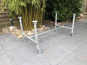 Tischgestell auf Rollen Industriedesign, Gestell Rohrgestell Metall,  Maße 144 x 73 cm