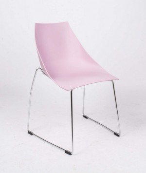 Design Stuhl in pink