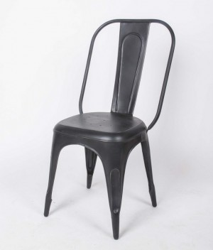 Stuhl aus Metall im Industriedesign