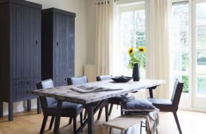 Kinderzimmerschrank anthrazit-schwarz, Schrank schwarz Massivholz, Kleiderschrank anthrazit Massivholz, Breite 73 cm