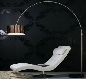 Bogenstehleuchte im modernen Stil, Farbe schwarz-satiniert